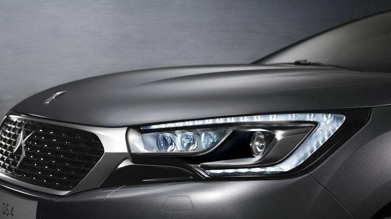 DS4 restyling fari a LED
