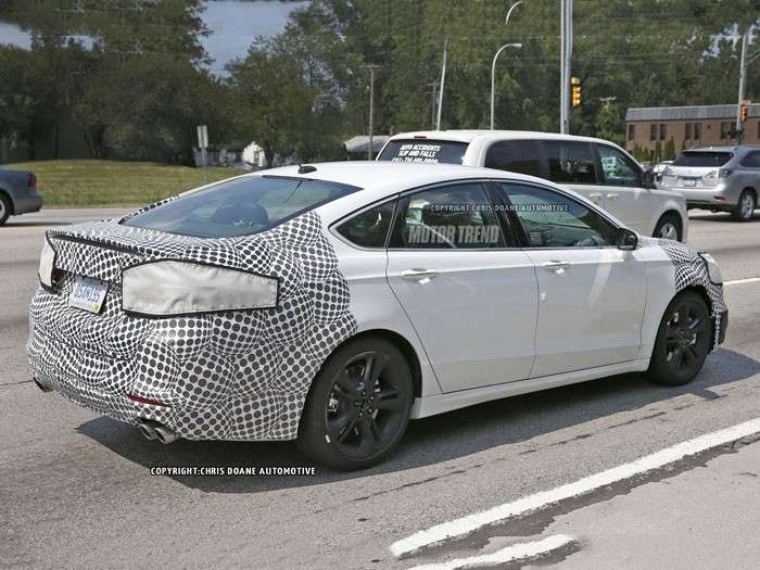 Ford Mondeo ST 2016 motore V6