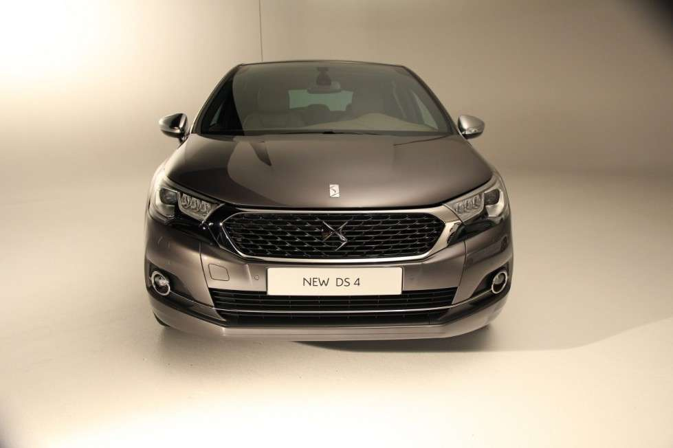 DS 4, arriva il restyling.