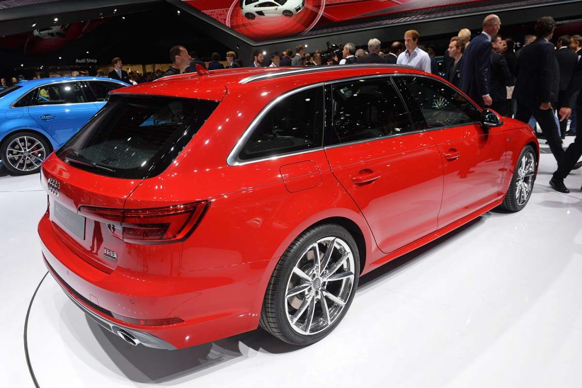 Audi A4 2015 station wagon