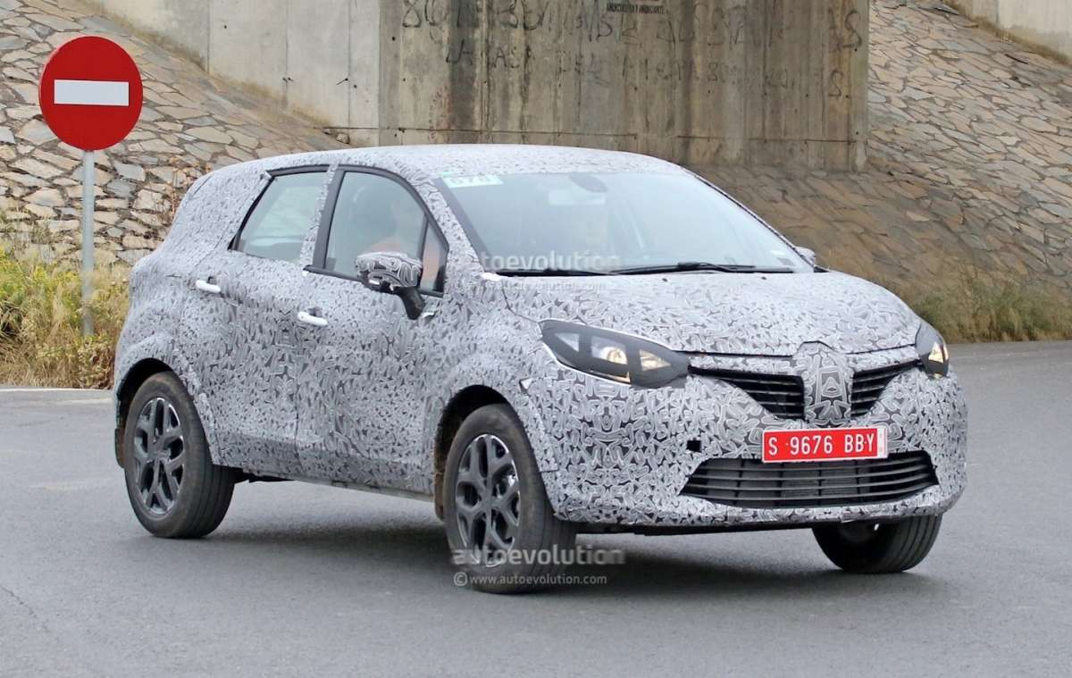 Renault Grand Captur foto spia