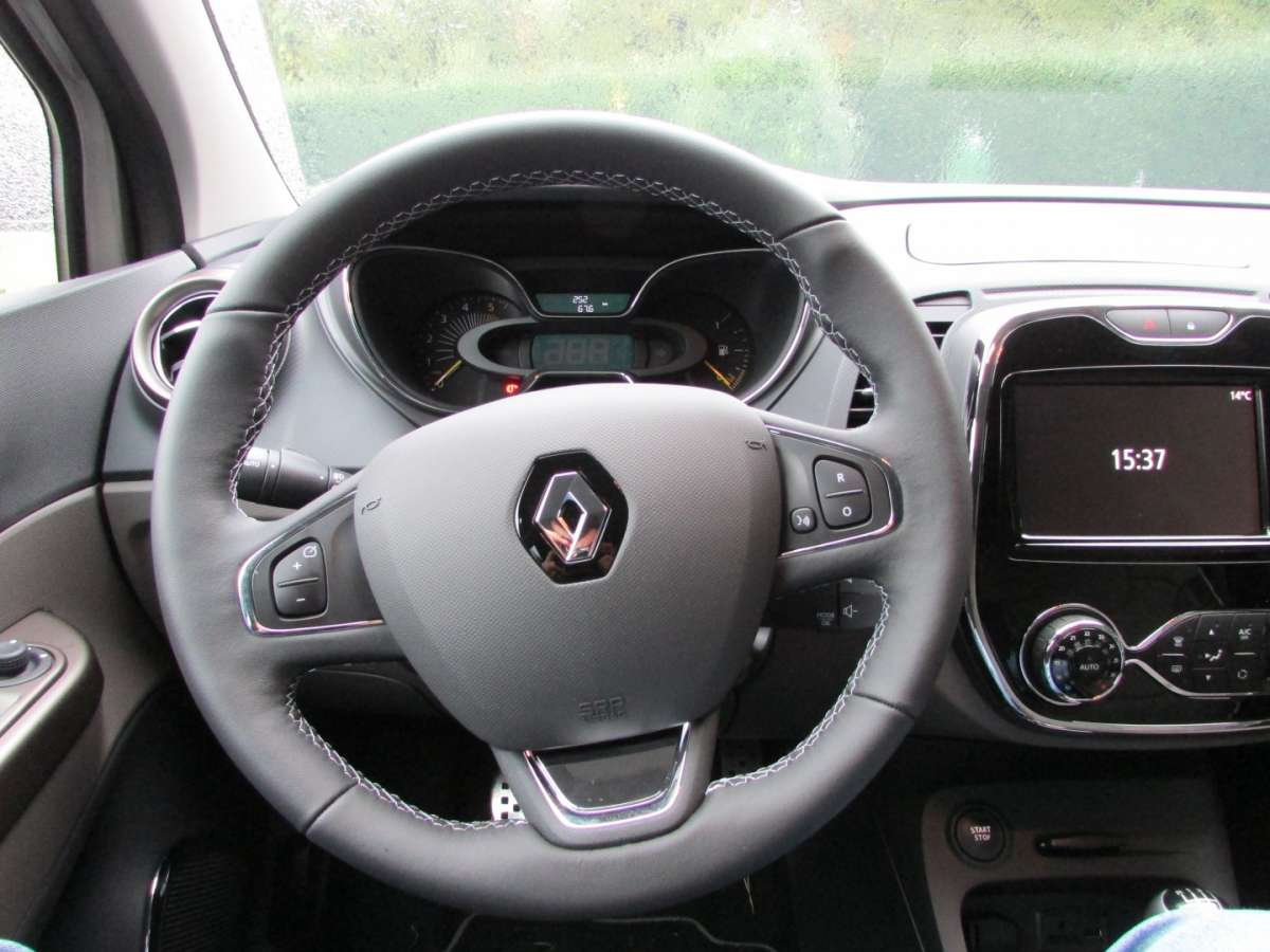 Volante in pelle del Captur Iconic