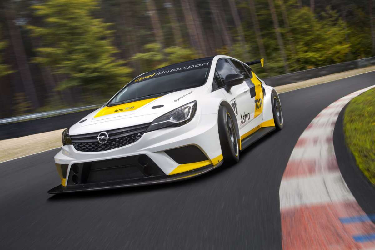 Opel Astra TCR anteriore