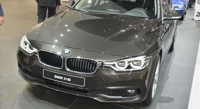 BMW Serie 3, arriva il restyling