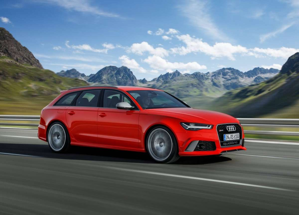 Audi RS6 Avant Performance su strada