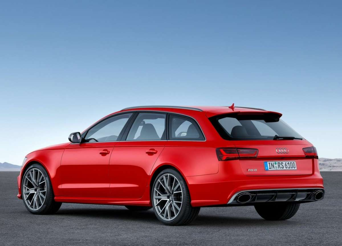 Audi RS6 Avant Performance tre quarti posteriore