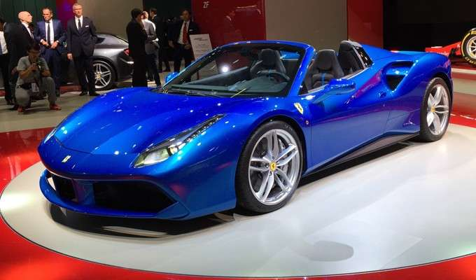Ferrari 488 Spider, grandi performance.
