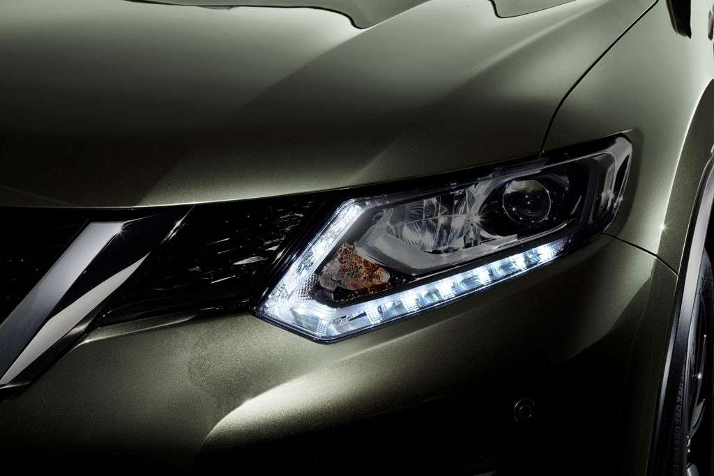 Nissan X-Trail 2016 design: luci a Led
