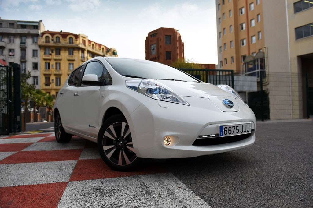 Nissan Leaf 2016: tre batterie in cinque anni