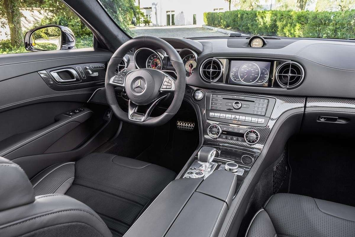 Mercedes SL 2016, interni