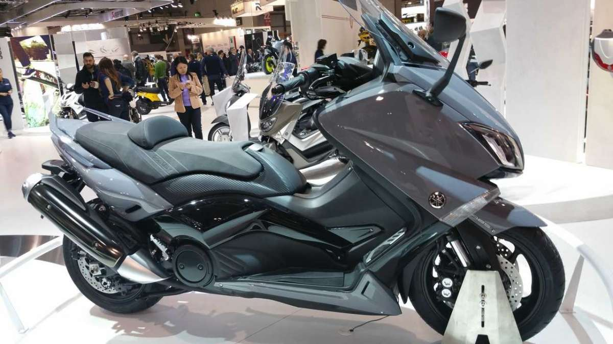 Yamaha TMAX 2016 ABS laterale