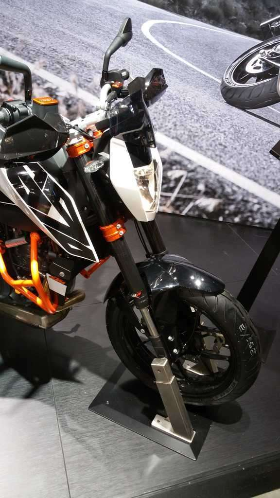 KTM 690 Duke 2016 ruota e forcelle