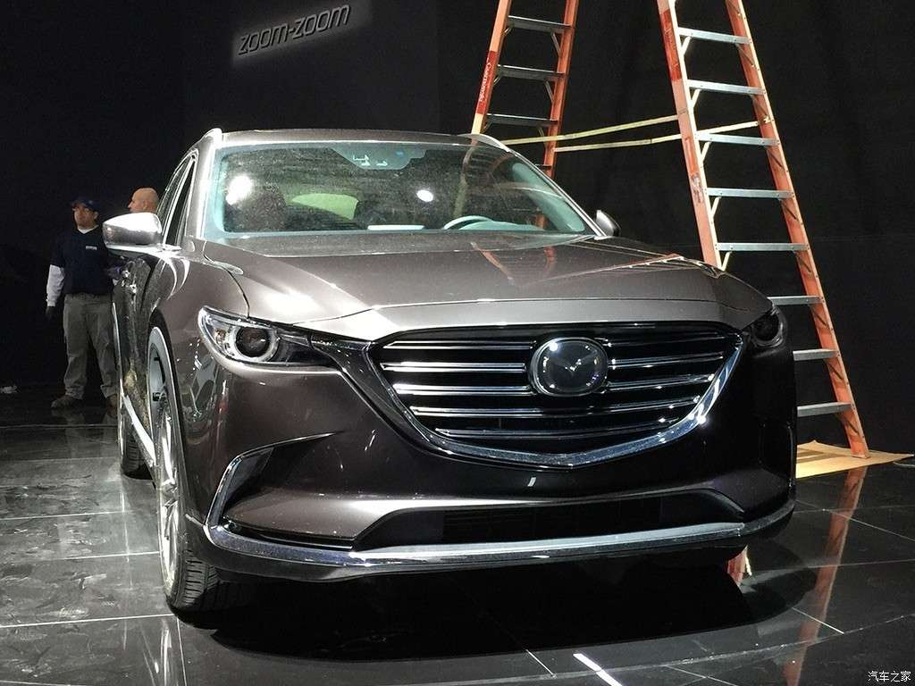 Nuova Mazda CX-9 al Salone di Los Angeles 2015