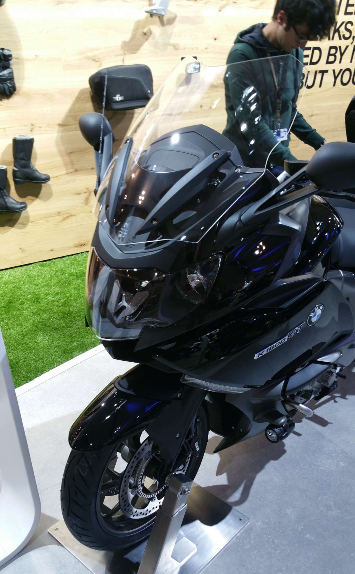 BMW K 1600 GT all'EICMA 2015