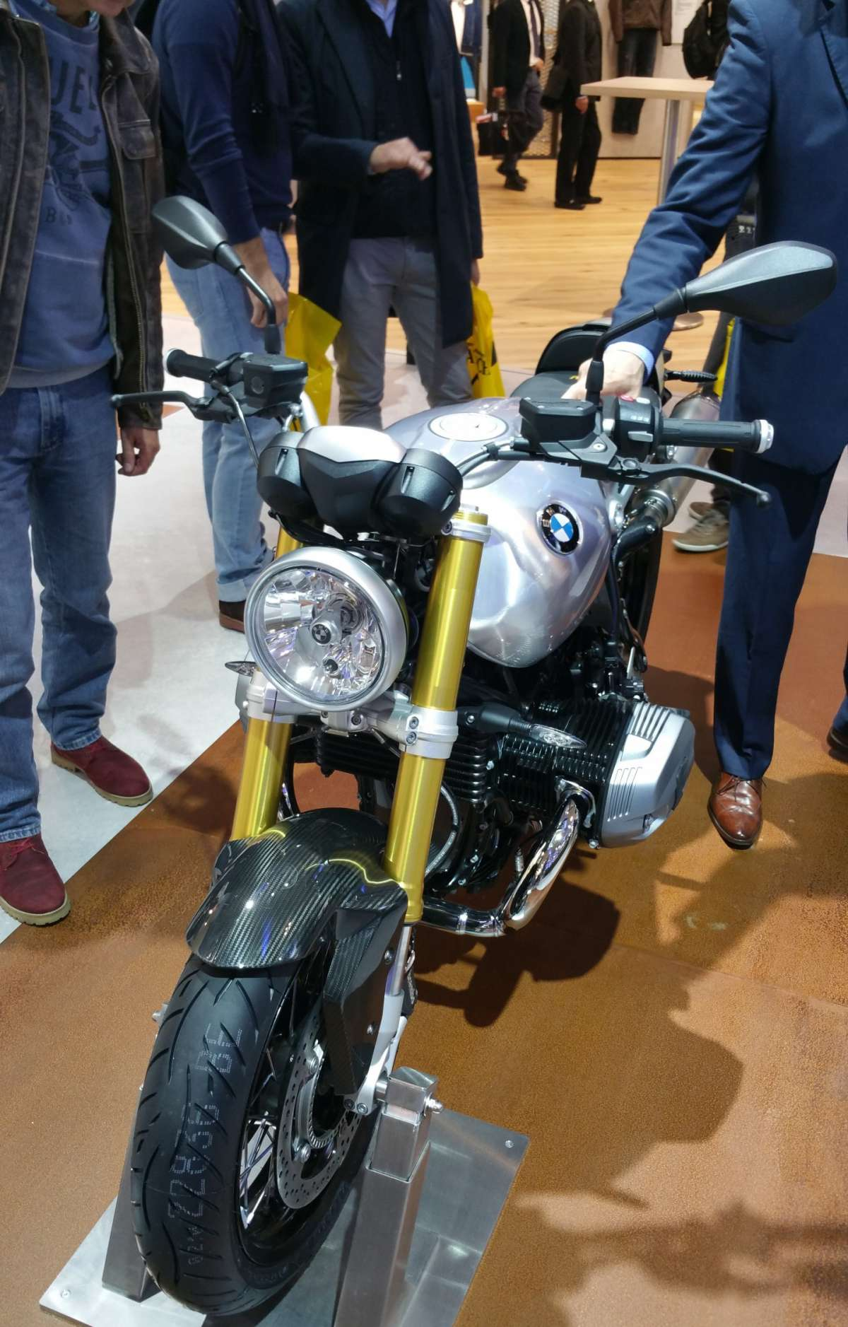 BMW R nine T gusto retrò