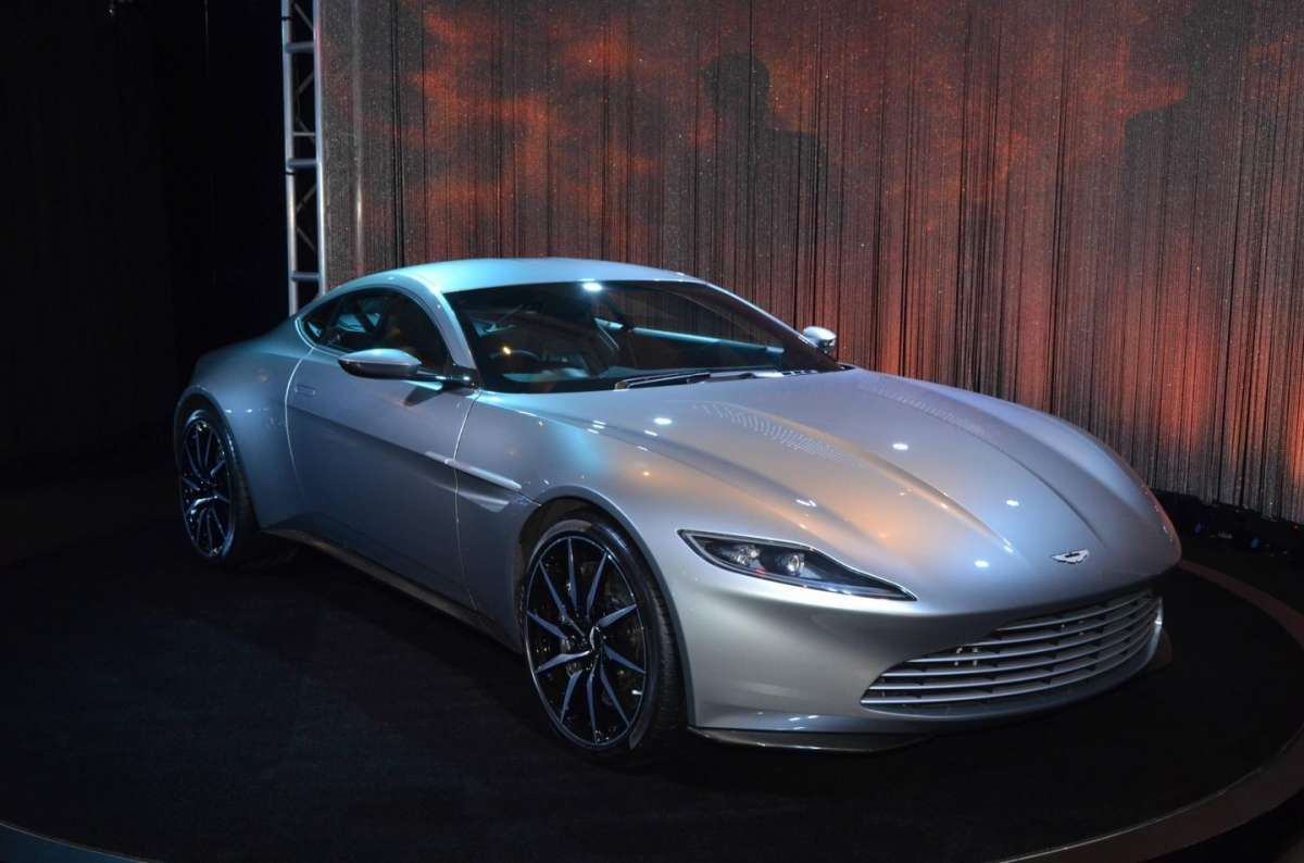 Aston Martin DB10 al Salone di Los Angeles 2015 (1)