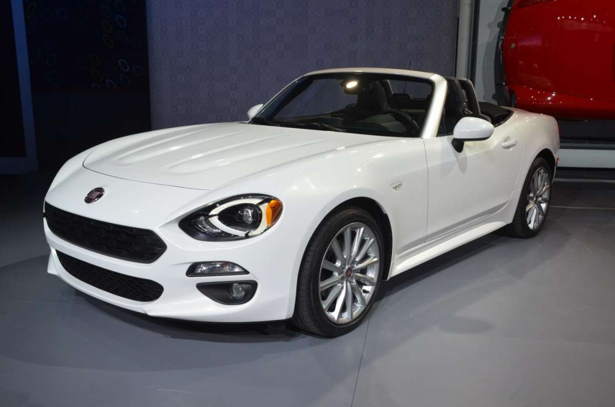 Fiat 124 Spider al salone di Los Angeles 2015 (1)