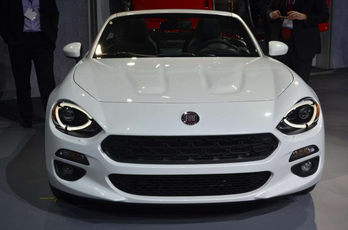 Fiat 124 Spider al salone di Los Angeles 2015 (11)