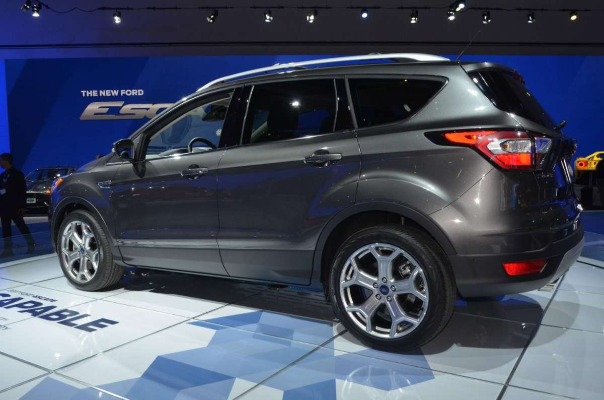 Ford Escape al Salone di Los Angeles 2015 (2)
