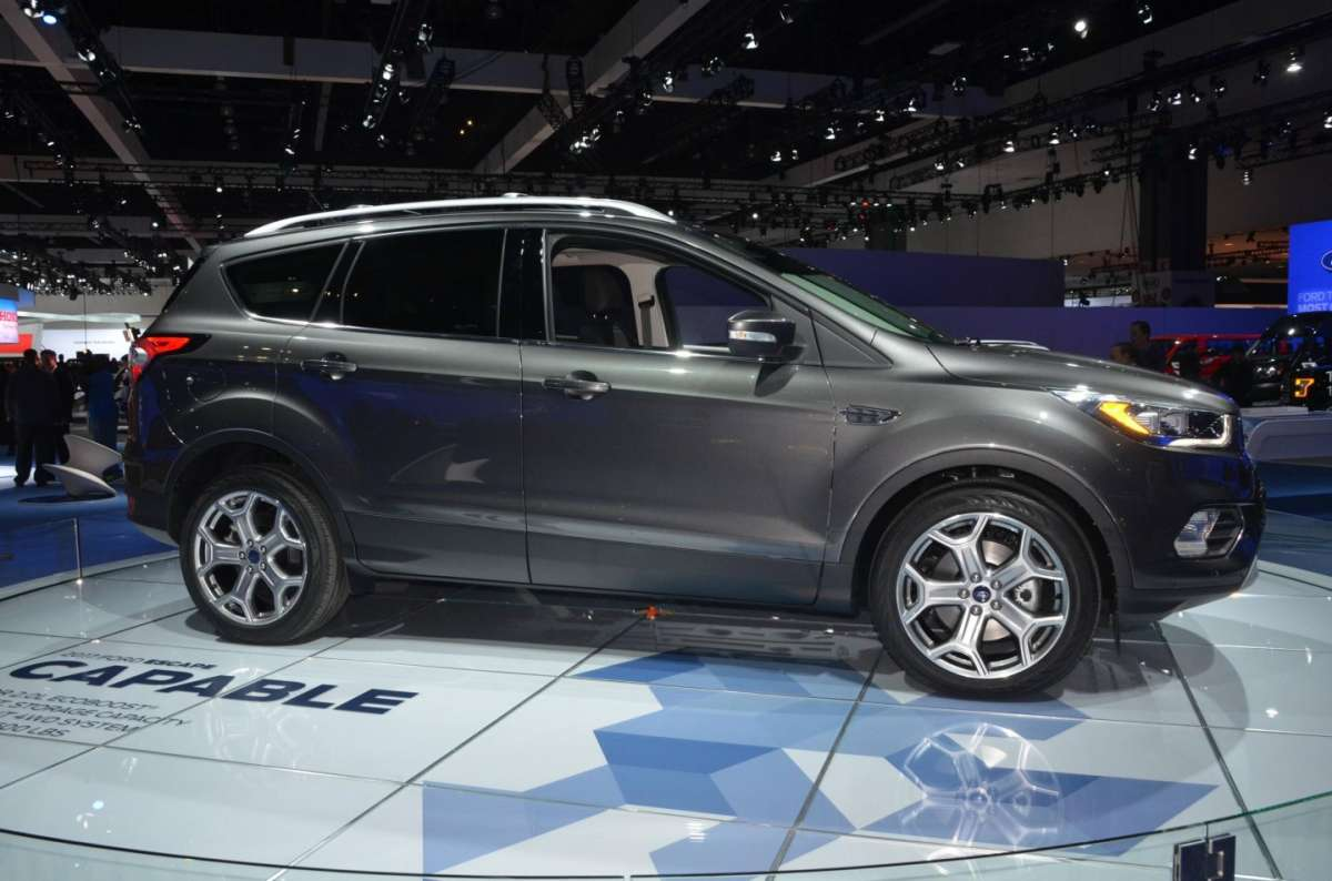 Ford Escape al Salone di Los Angeles 2015 (5)