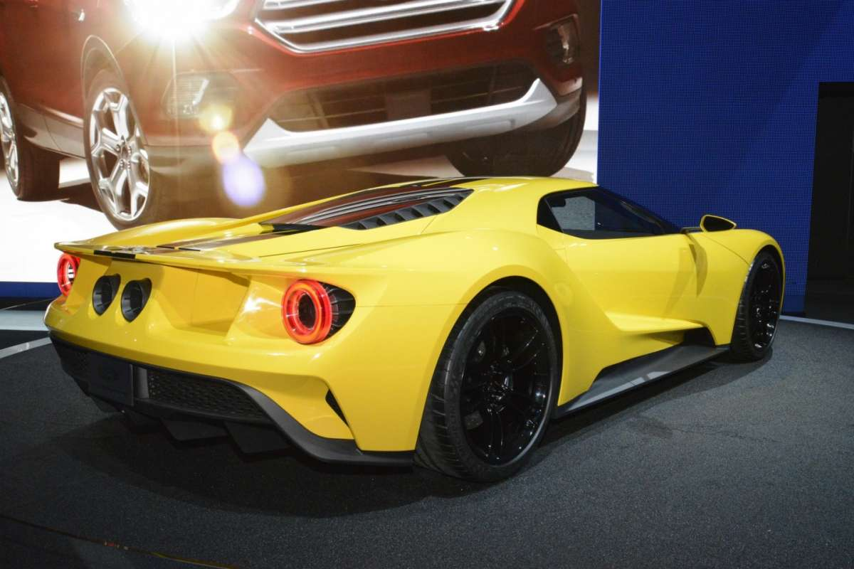 Ford GT al Salone di Los Angeles 2015 (2)