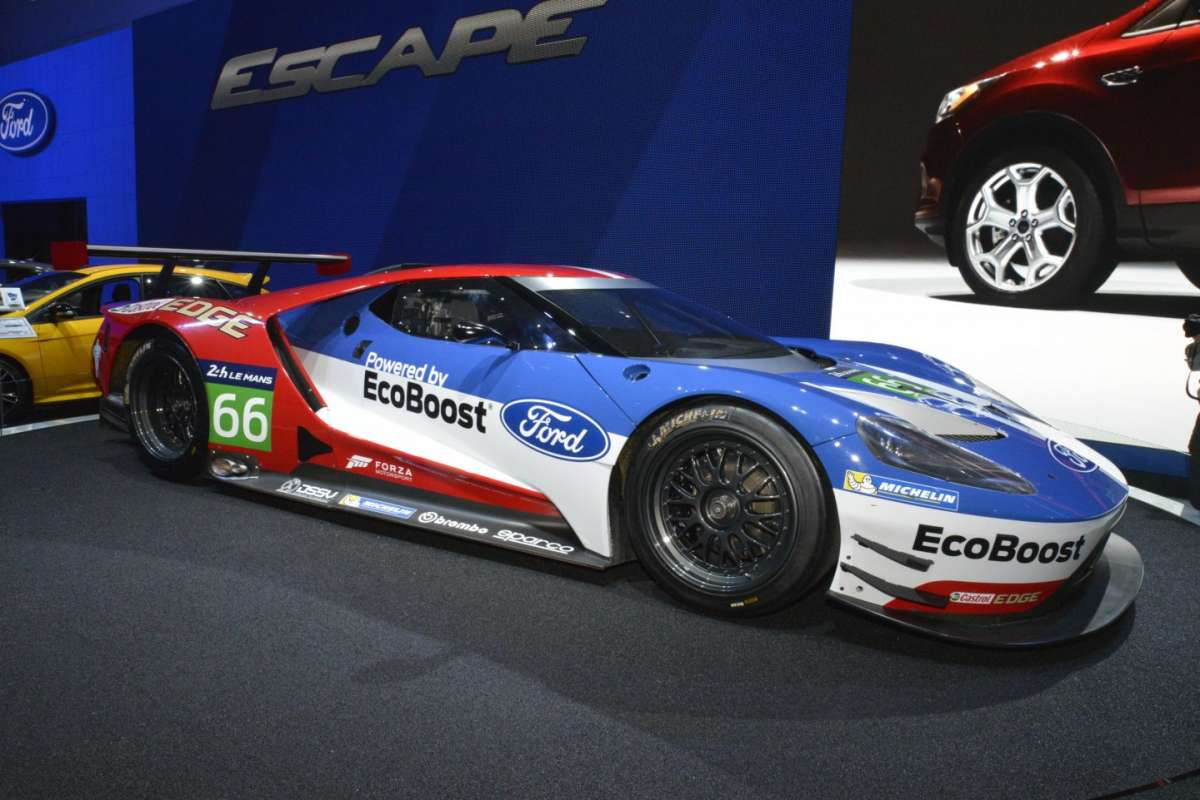 Ford GT al Salone di Los Angeles 2015 (3)