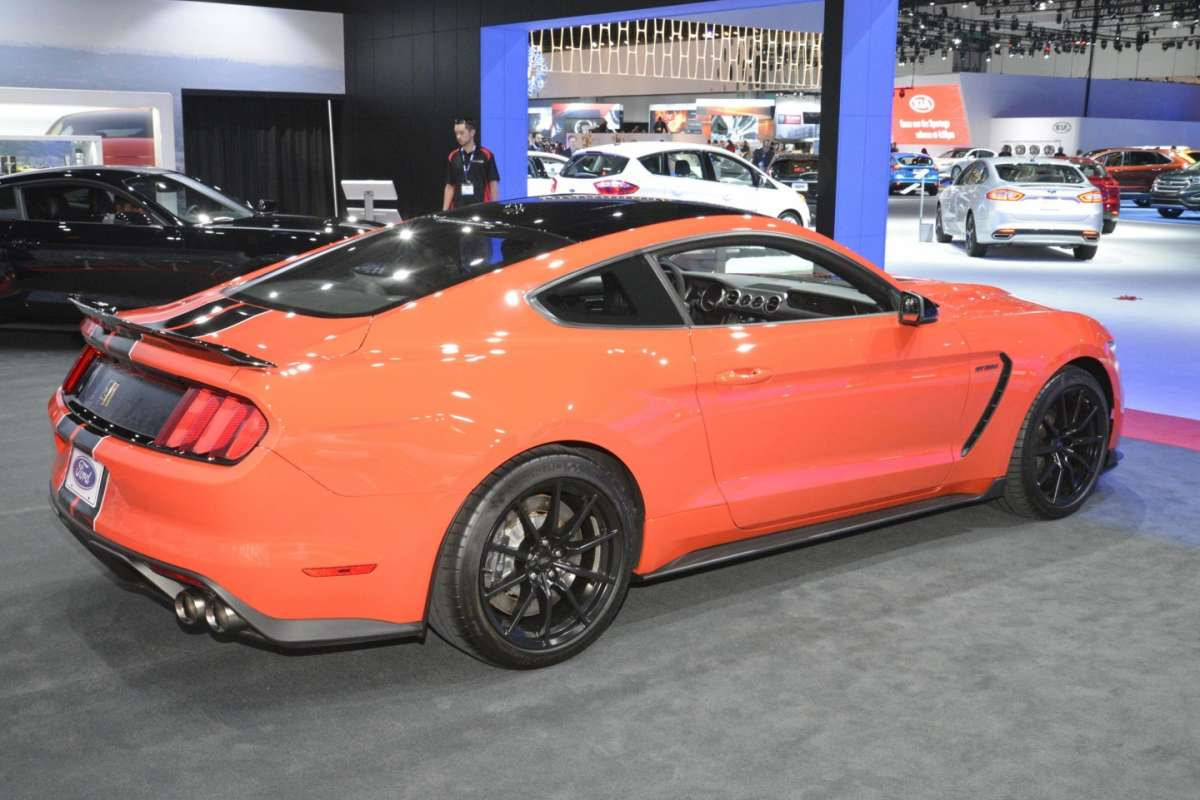Ford Mustang al Salone di Los Angeles 2015 (3)
