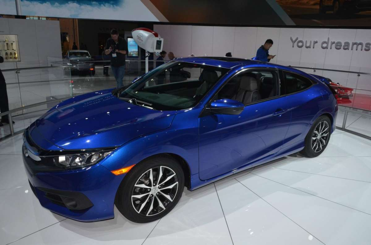 Honda Civic Coupe al salone di Los Angeles 2015 (1)