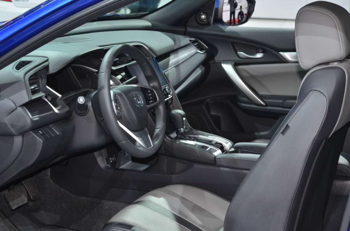 Honda Civic Coupe al salone di Los Angeles 2015 (2)