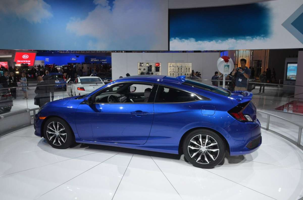 Honda Civic Coupe al salone di Los Angeles 2015 (3)