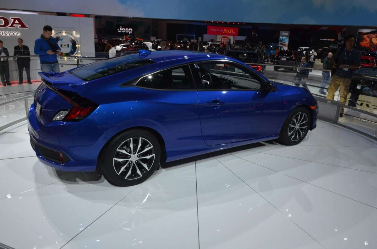 Honda Civic Coupe al salone di Los Angeles 2015 (4)