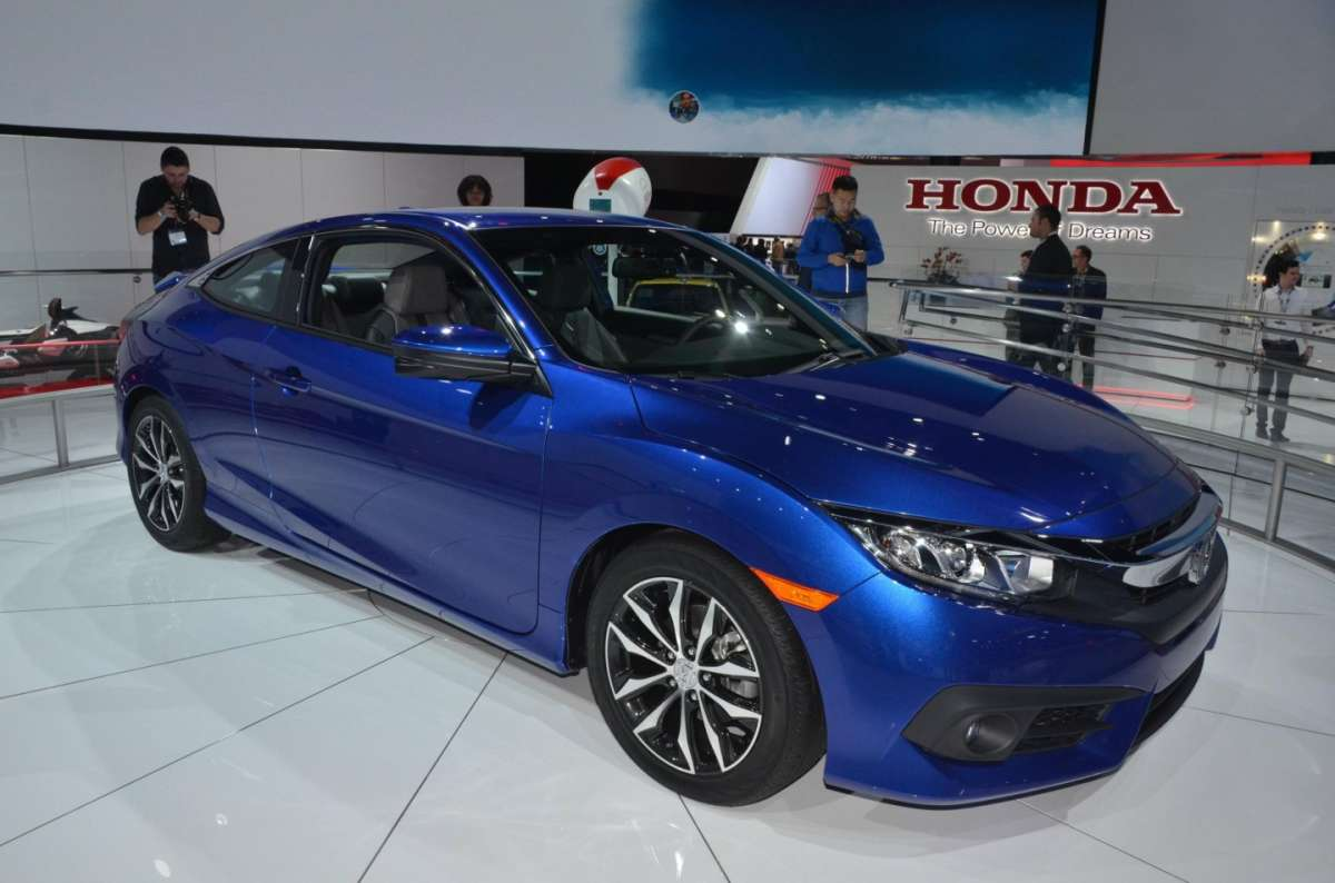Honda Civic Coupe al salone di Los Angeles 2015 (5)