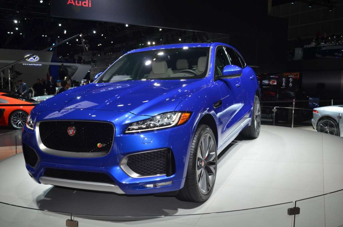 Jaguar F-Pace al Salone di Los Angeles 2015 (1)