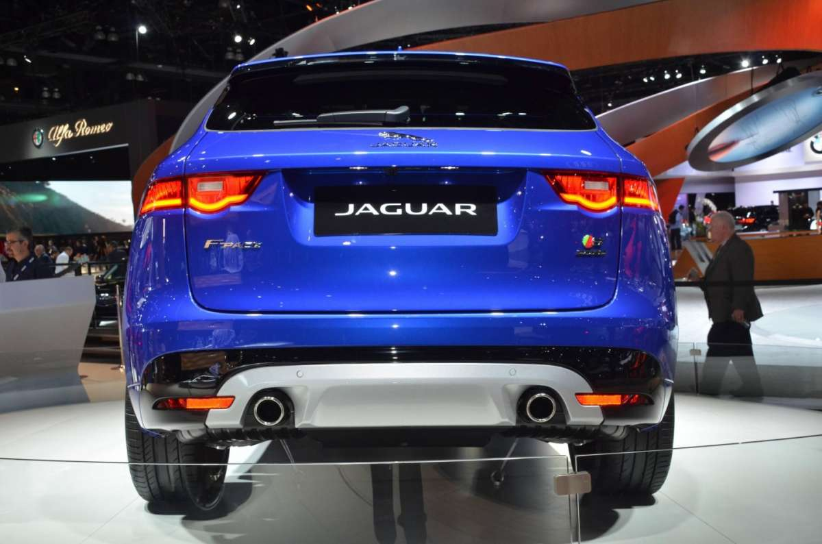 Jaguar F-Pace al Salone di Los Angeles 2015 (2)