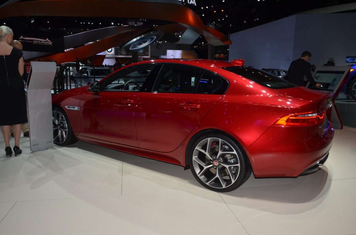 Jaguar XE al Salone di Los Angeles 2015 (2)