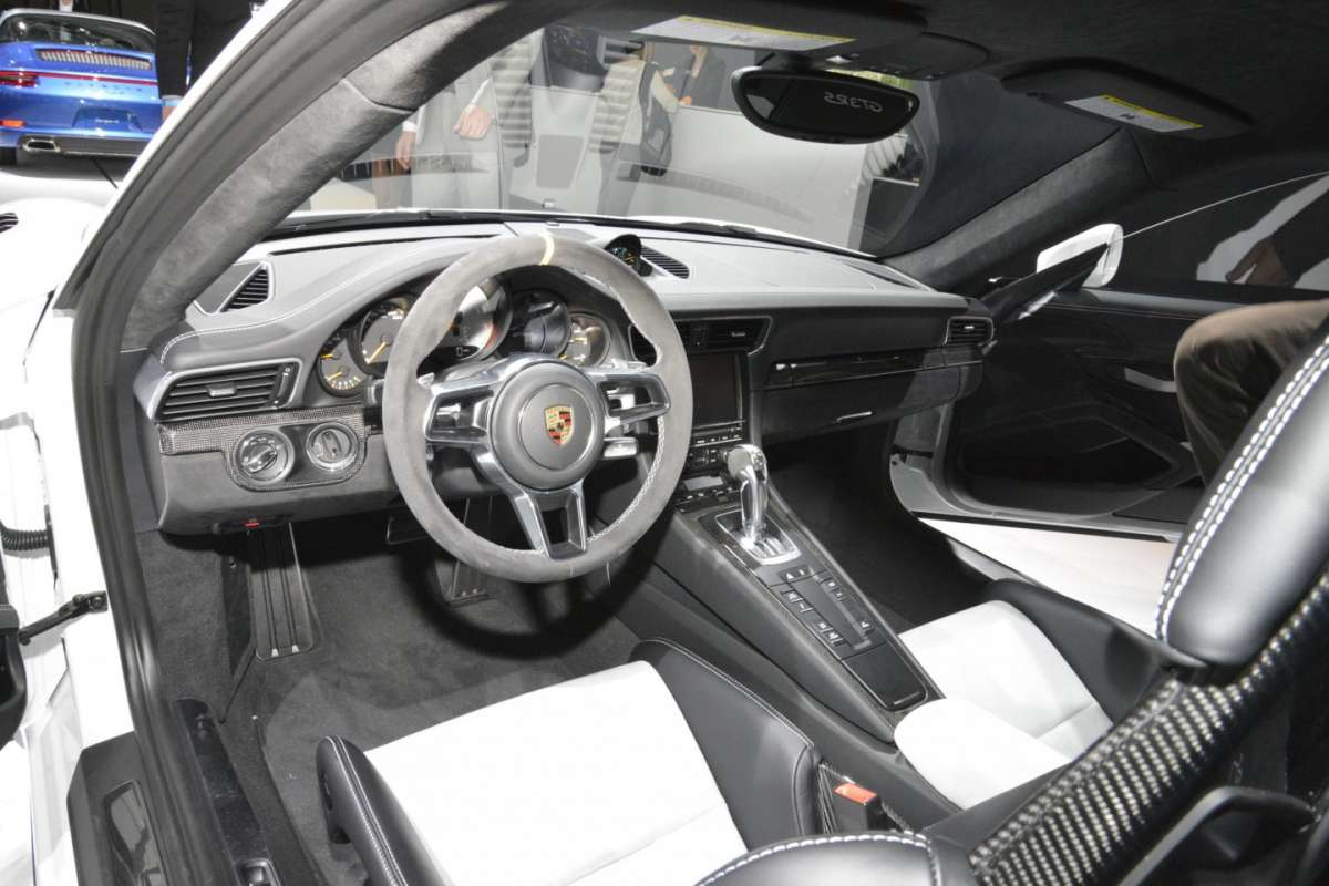 Porsche 911 GT3 RS al Salone di Los Angeles 2015 (2)