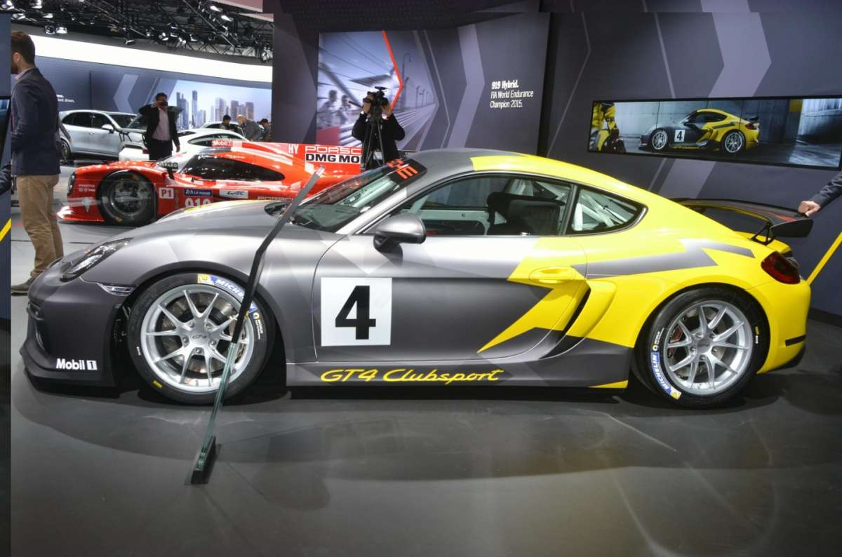 Porsche Cayman GT4 Clubsport al Salone di Los Angeles 2015 (1)