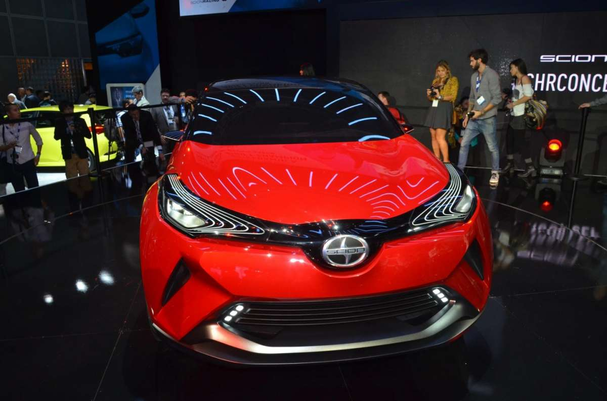 Scion C-HR concept al Salone di Los Angeles 2015 (2)