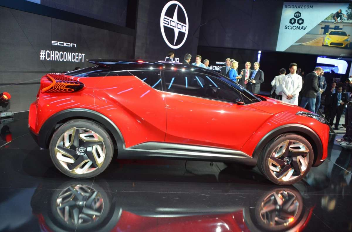 Scion C-HR concept al Salone di Los Angeles 2015 (4)