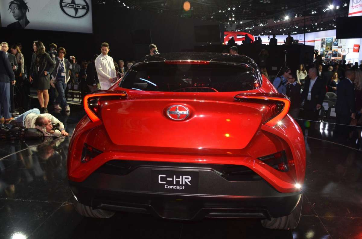 Scion C-HR concept al Salone di Los Angeles 2015 (5)