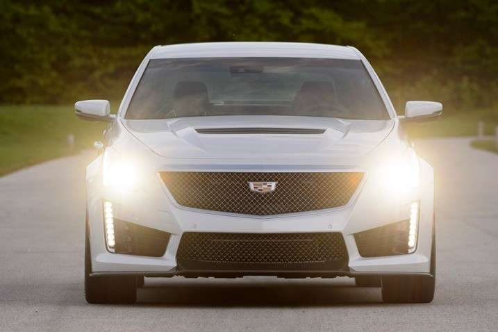 CTS-V 2015 luci attive