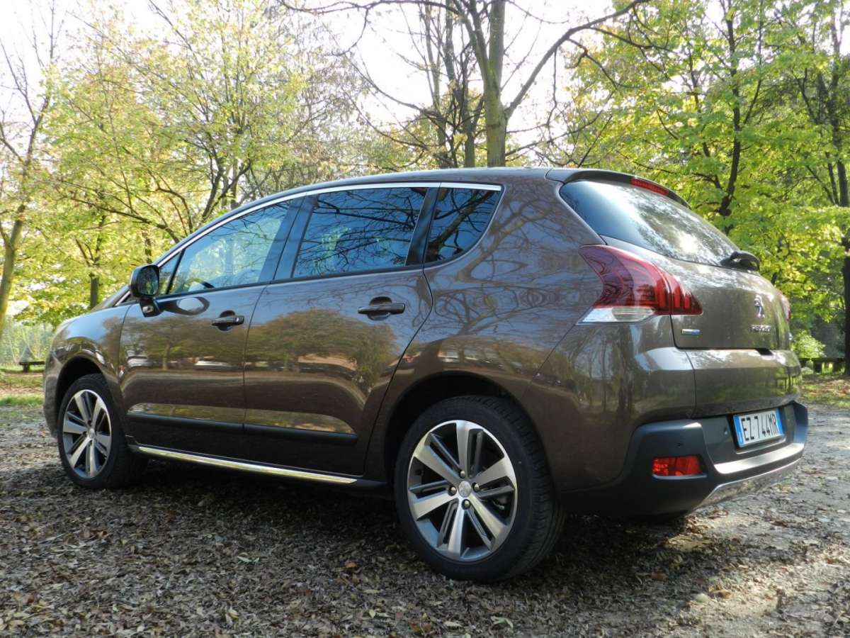 Peugeot 3008 Crossway laterale posteriore