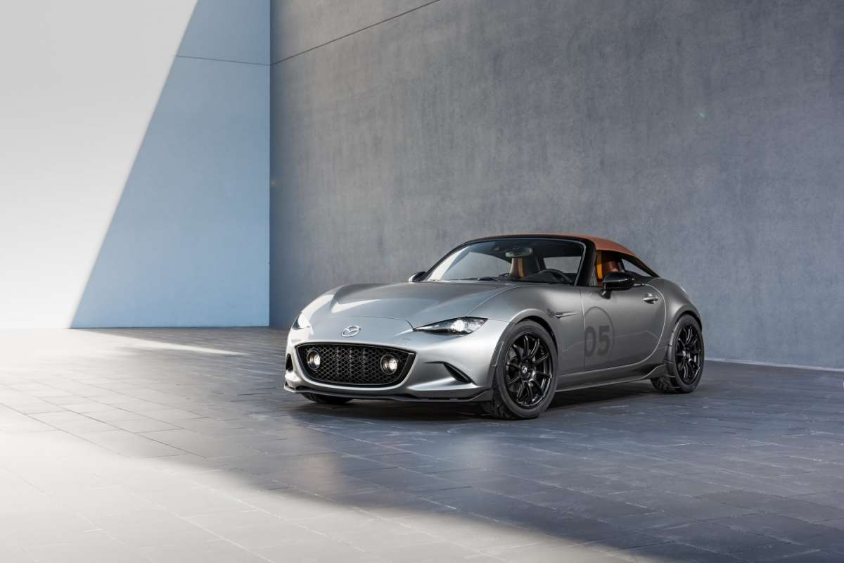 Mazda MX-5 Spyder 2016 design carbonio