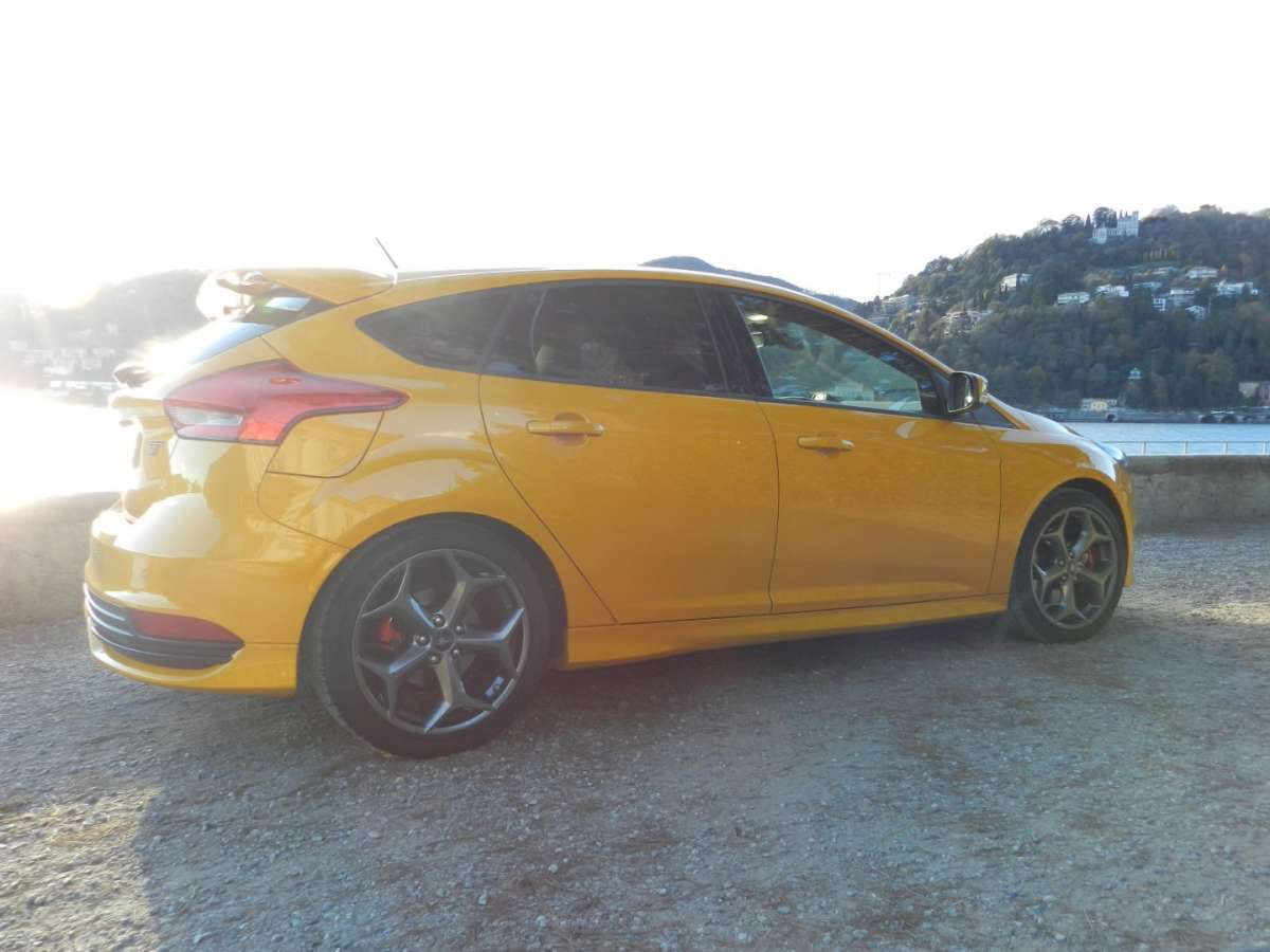 Ford Focus ST laterale posteriore