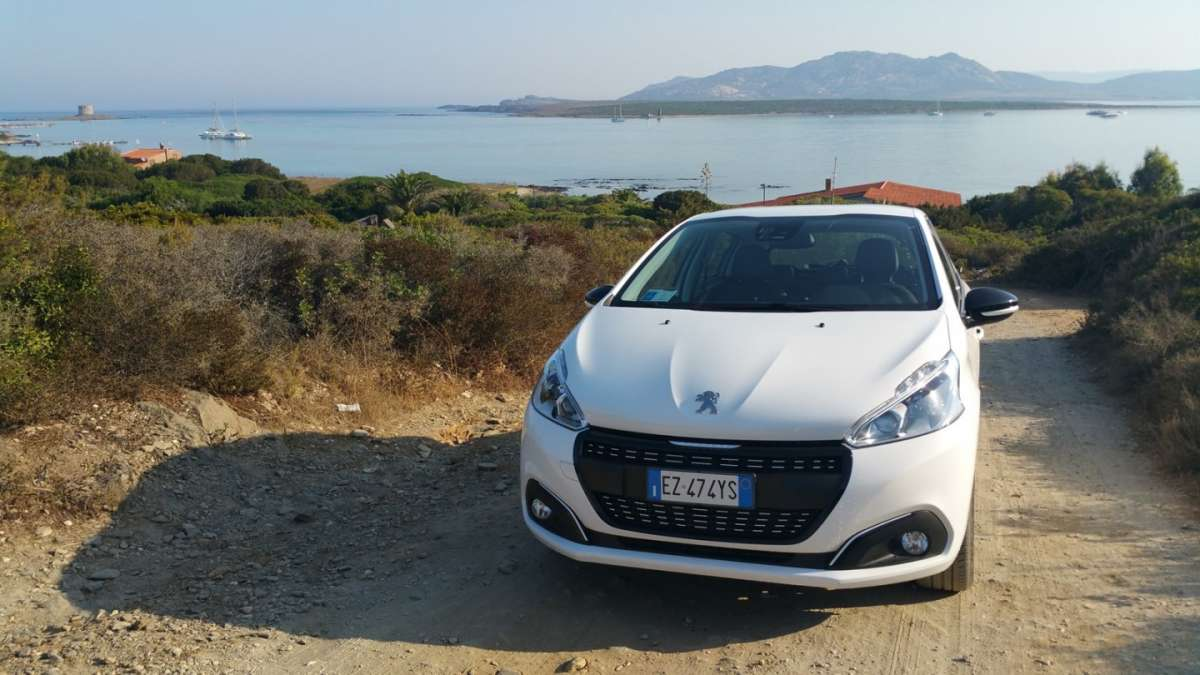 Peugeot 208 2015 frontale