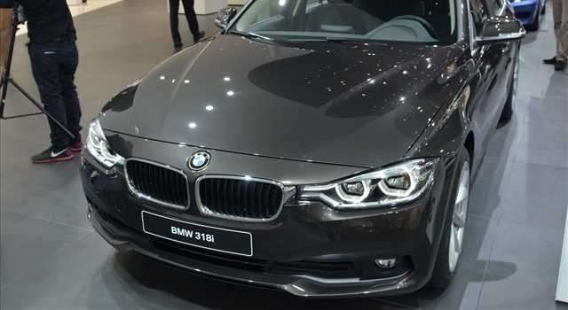 BMW Serie 3 gruppi ottici differenti