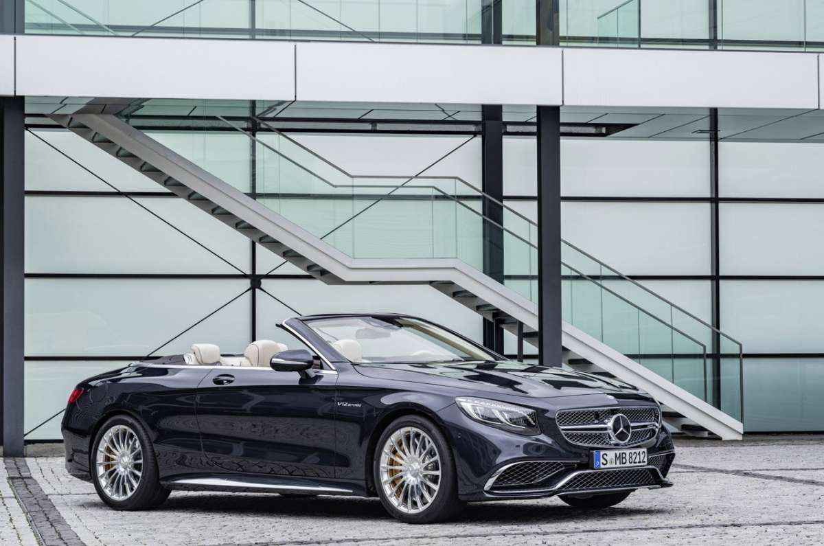 Classe S Cabriolet S65 AMG blu