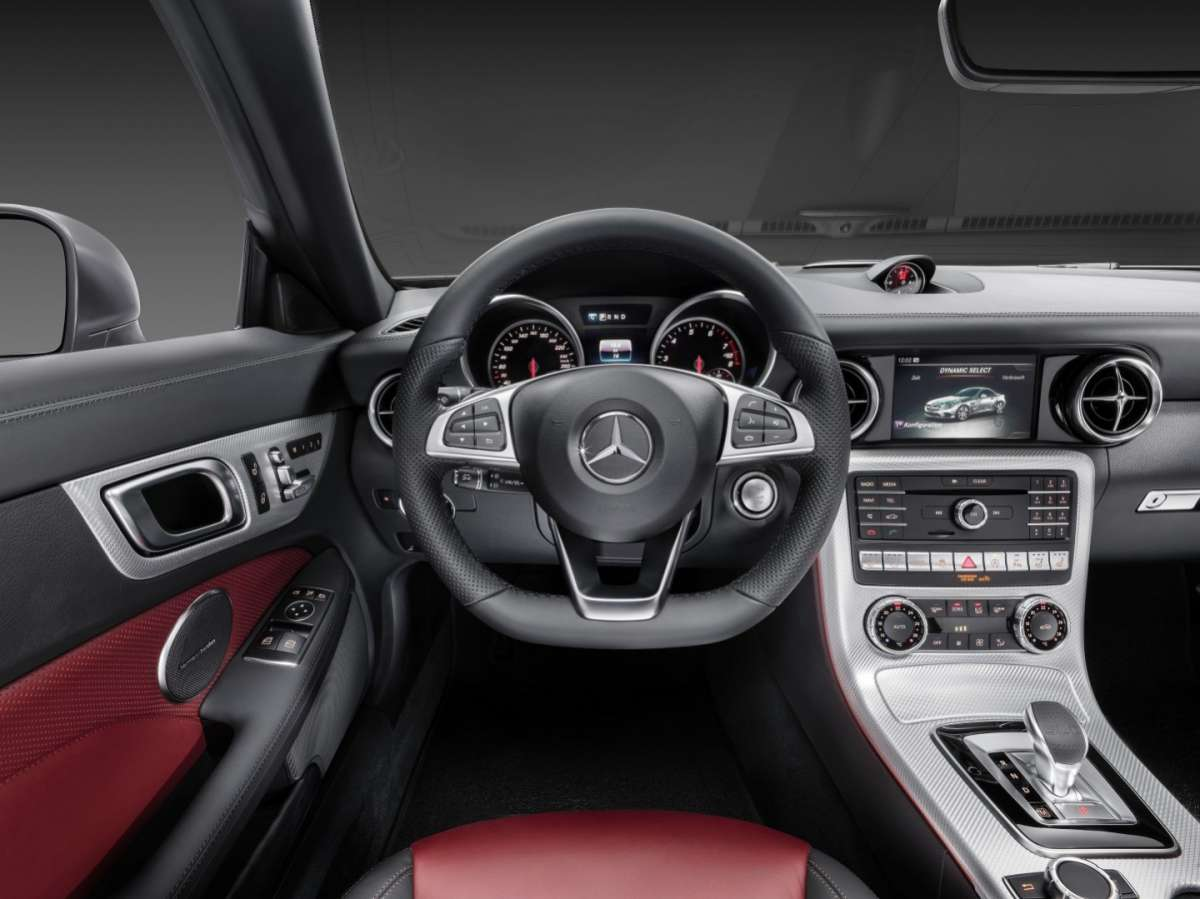 Mercedes SLC, Comand Online