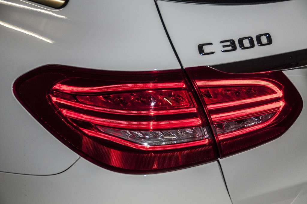 Mercedes C 300 h design: Led posteriori