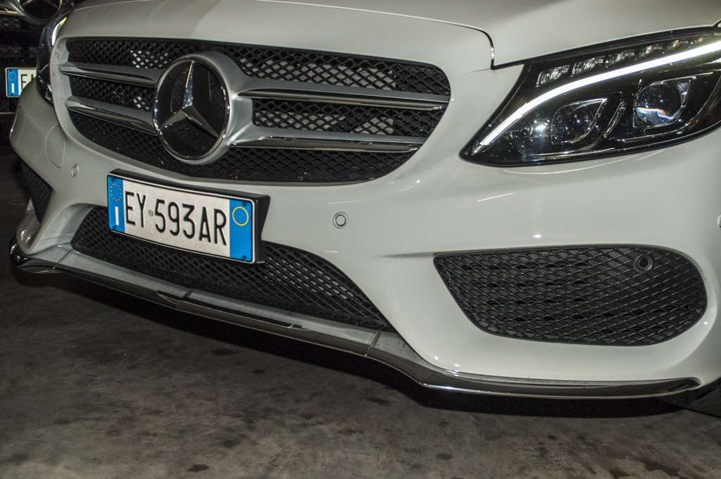 Mercedes C 300 h design: splitter